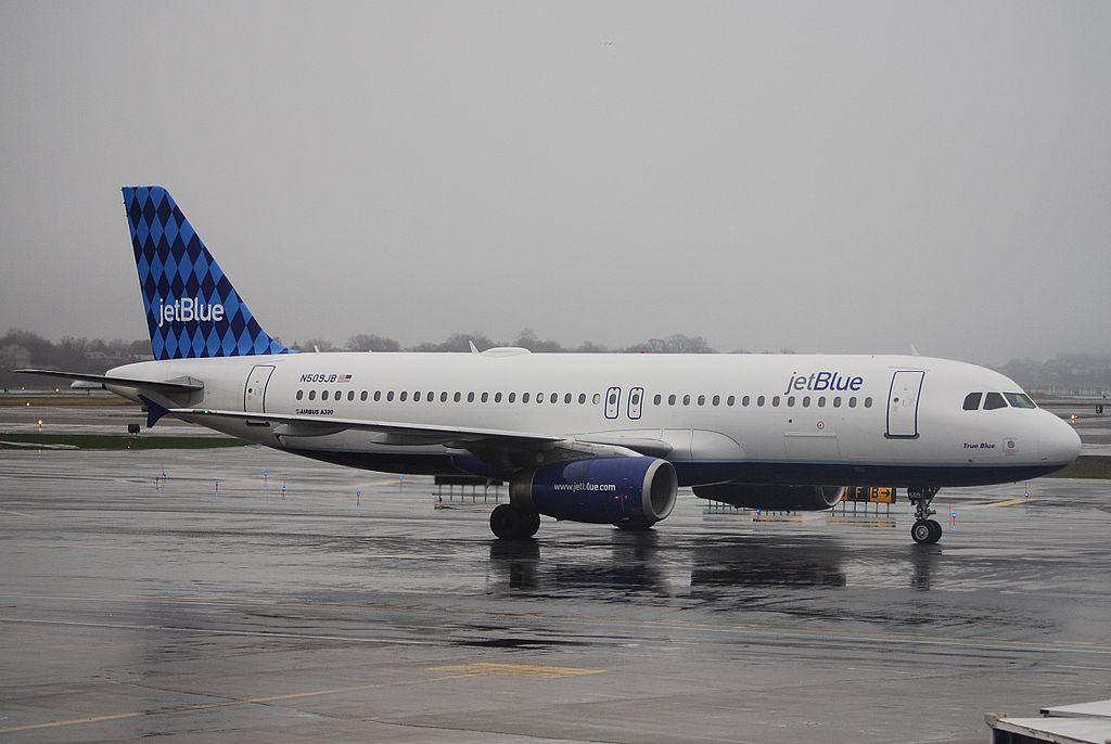 Airbus A320 200 JetBlue Airways True Blue N509JB at Logan International Airport