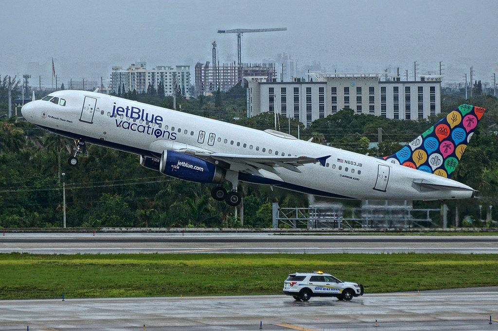 Airbus A320 200 N603JB To Beach Their Own JetBlue Vacations Special Livery at Fort Lauderdale – Hollywood International Airport