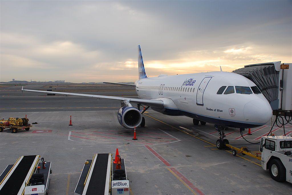 Airbus A320 232 JetBlue Airways N504JB Shades of Blue at Logan International Airport