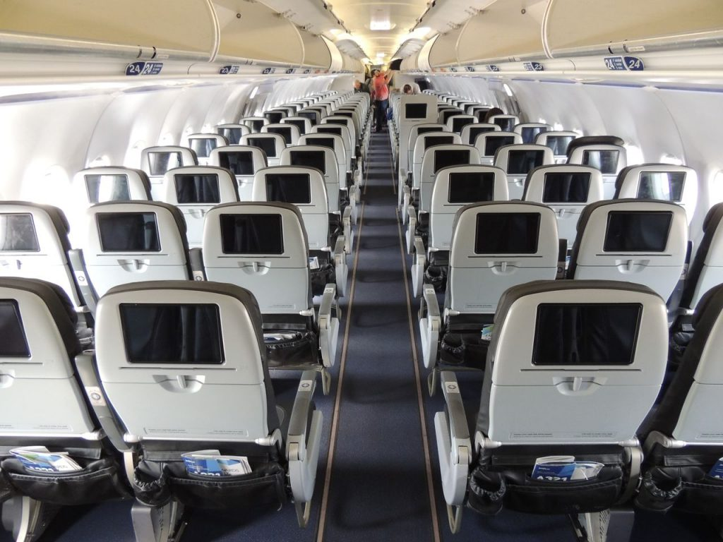 Airbus A321 200 JetBlue Airways Economy Cabin Configuration with 3 3 standard seats layout