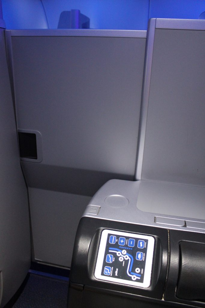Airbus A321 200 JetBlue Airways Mint Suite Experience Business Class Cabin fully closed seats 2