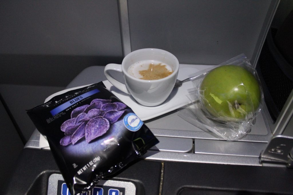 Airbus A321 200 JetBlue Mint Suite Business Class Inflight Snacks and beverages services