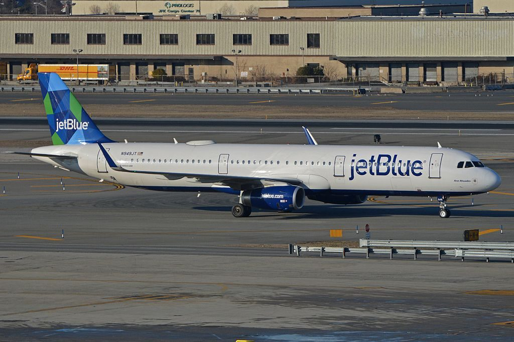 Airbus A321 231w N949JT jetBlue Airways Ann Rhoades taxiing in after arriving on flight JBU210 from Santo Domingo at JFK Airport