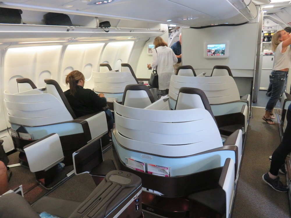 Airbus A330 200 Hawaiian Airlines Domestic First Class Cabin Interior Design 1