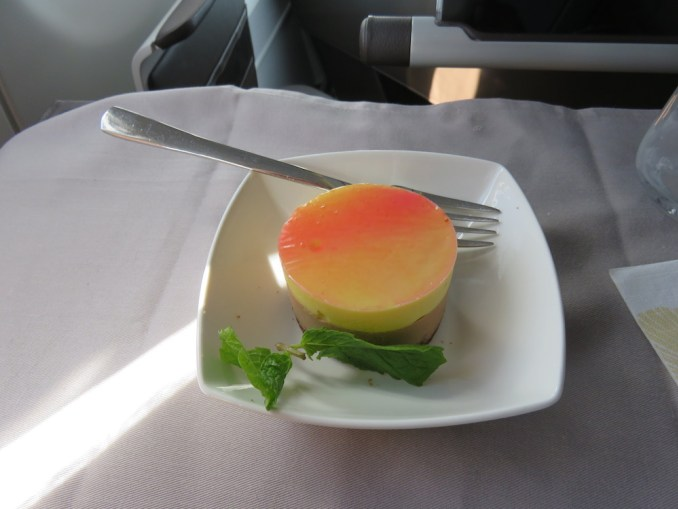 Airbus A330 200 Hawaiian Airlines Domestic First Class Cabin Meals Food Lunch Dessert Menu