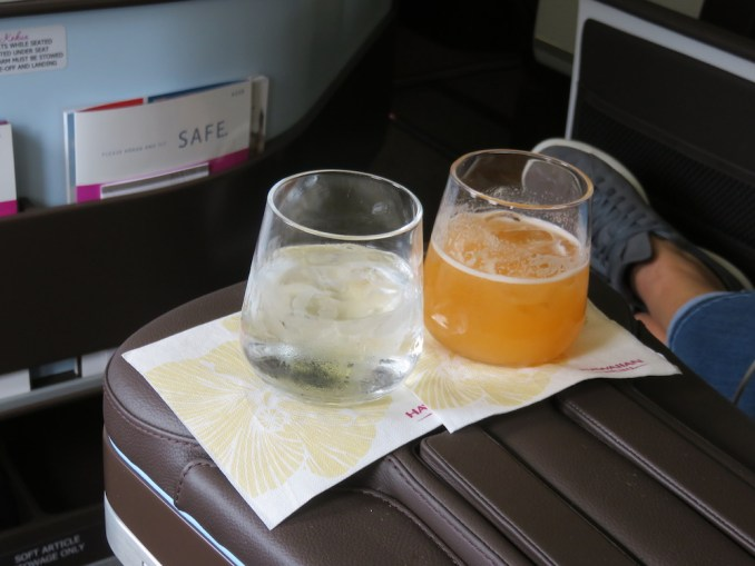 Airbus A330 200 Hawaiian Airlines Domestic First Class Cabin Pre Departure Welcome Drinks Services