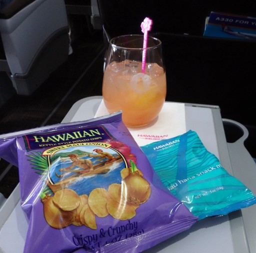 Airbus-A330-200-Hawaiian-Airlines-First-Class-Cabin-Pre-Arrival-Snacks-and-Drinks-Services-22Pau-Hana22-snack-mix-rum-punch-Sweet-Maui-crisps