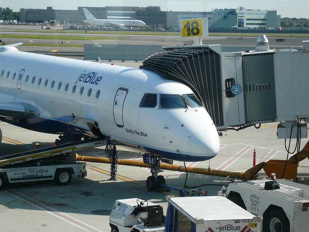Embraer ERJ 190 JetBlue Airways N184JB Outta The Blue at John F. Kennedy International Airport
