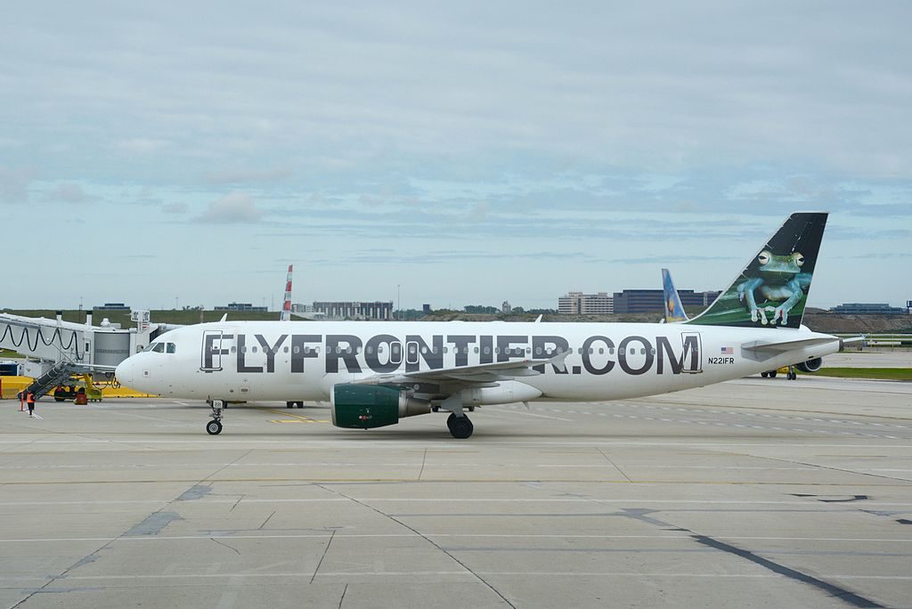 Frontier Airlines Airbus A320 200 N221FR Bugsy the Tree Frog at OHare International Airport