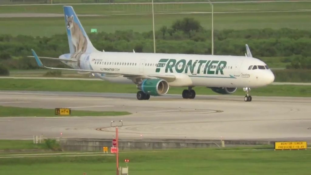 Frontier Airlines Airbus A321 211WL N702FR Courtney the Cougar landing in Orlando