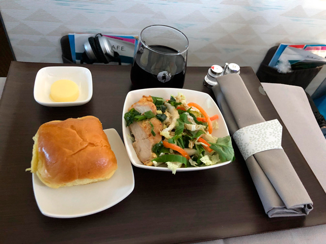 Hawaiian Airlines Aircraft Fleet Airbus A321neo First Class Cabin Inflight Amenities appetizer Cold Tofu Salad with Kim Chee and Watercress or Jiodori Chicken Salad with Ginger Scallion Oil