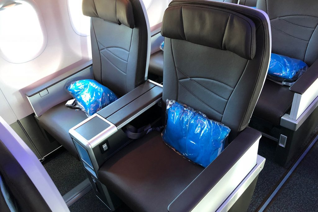"Hawaiian Airlines Aircraft Fleet Airbus A321neo First Class Cabin Seats Pitch of 45 46"" and 18"" of width"