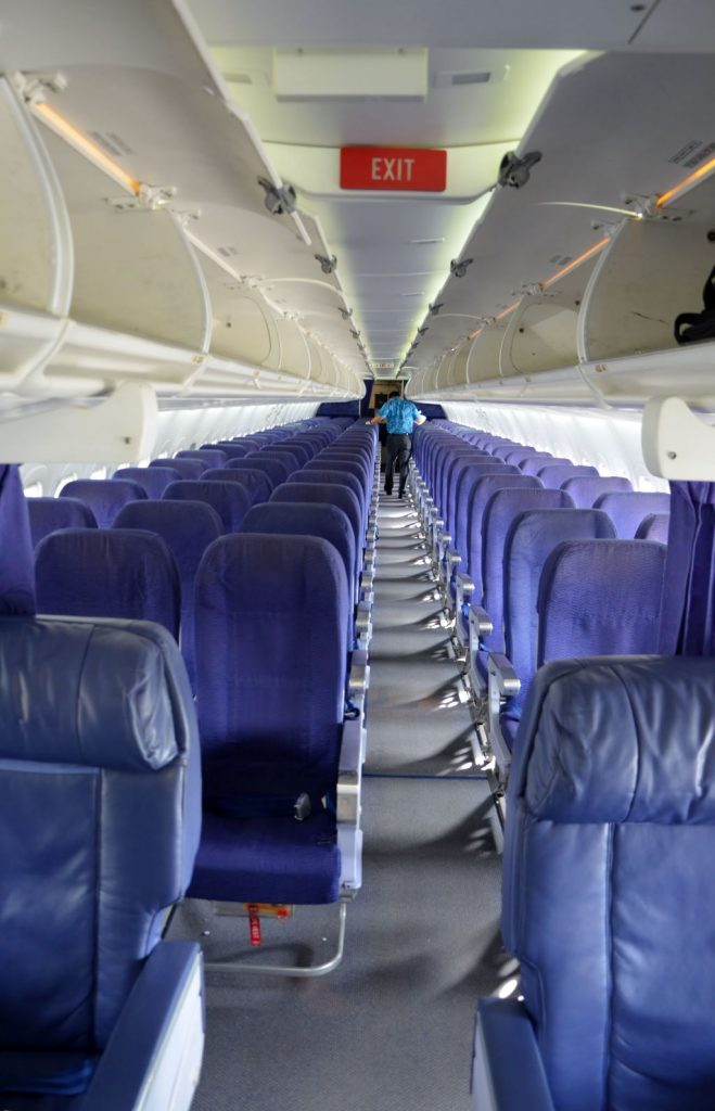 Hawaiian Airlines Boeing 717 200 Cabin interior configuration and seats layout photos