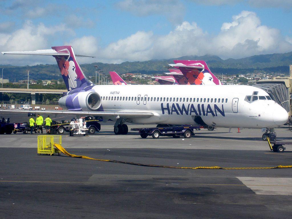 Hawaiian Airlines Boeing 717 200 N487HA ʻIo at at Honolulu International Airport HNL in December 2009