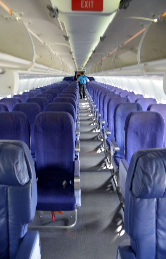 Hawaiian Airlines Boeing 717 200 first class and economy cabin photos