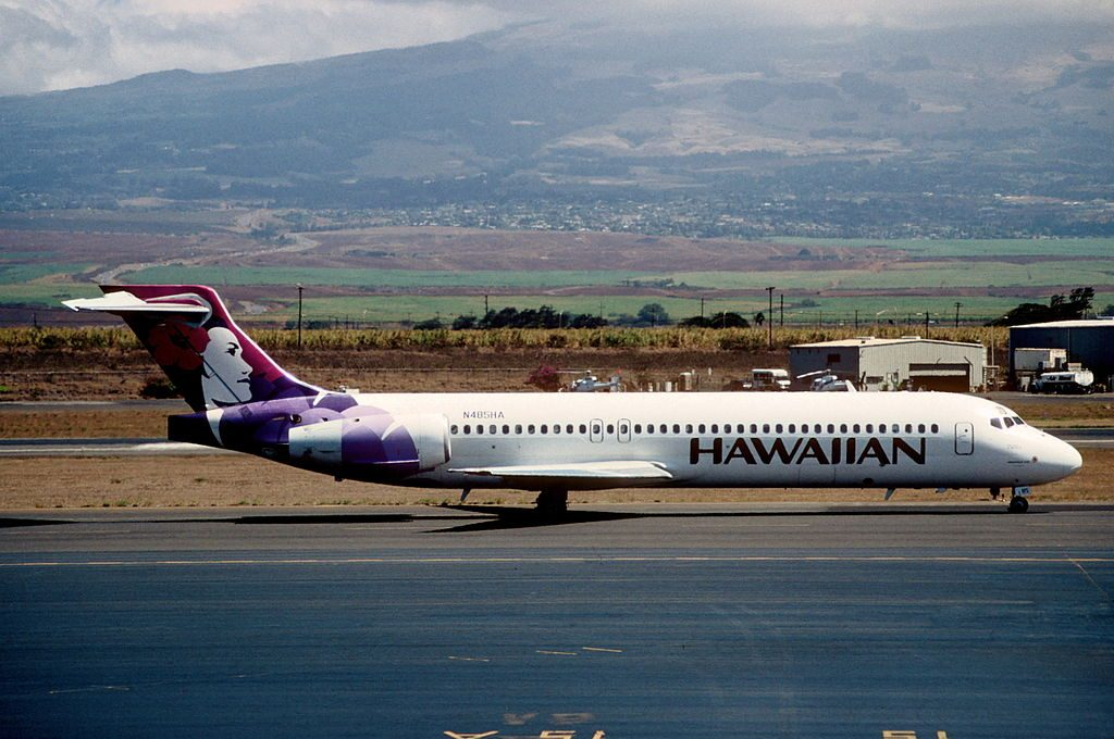 Hawaiian Airlines Boeing 717 22A N485HA Palila at OGG at Kahului Airport