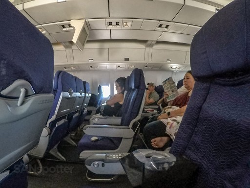 Hawaiian Airlines Boeing 767 300ER Economy Class Cabin Inflight Seats Photos @SANspotter