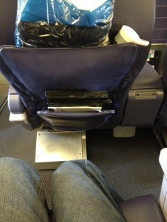 Hawaiian Airlines Boeing 767 300ER First Class seat 2C pitch legroom