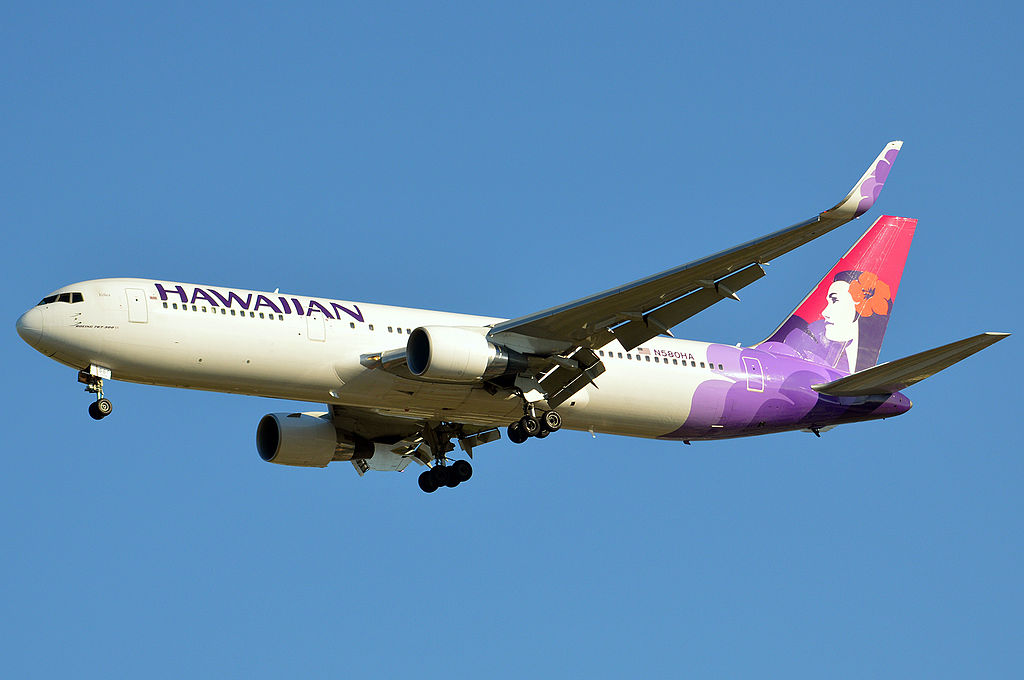 Hawaiian Airlines N580HA Kolea Boeing 767 33AERWL cn 28140 Location Da Vinci Blvd Brisbane Airport