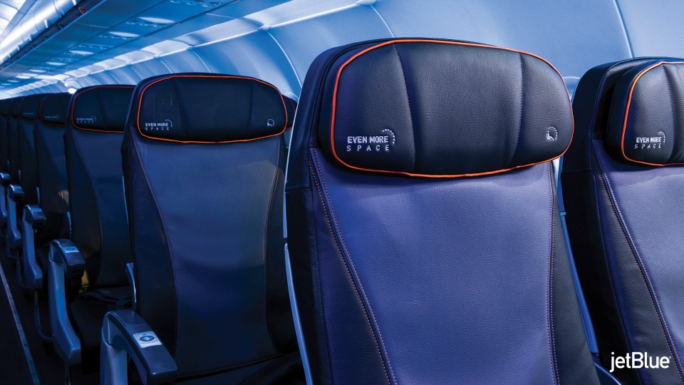 JetBlue Airbus A320 200 Restyled Interior Cabin seats standard plug and USB outlet with Rockwell Collins Pinnacle adjustable headrest