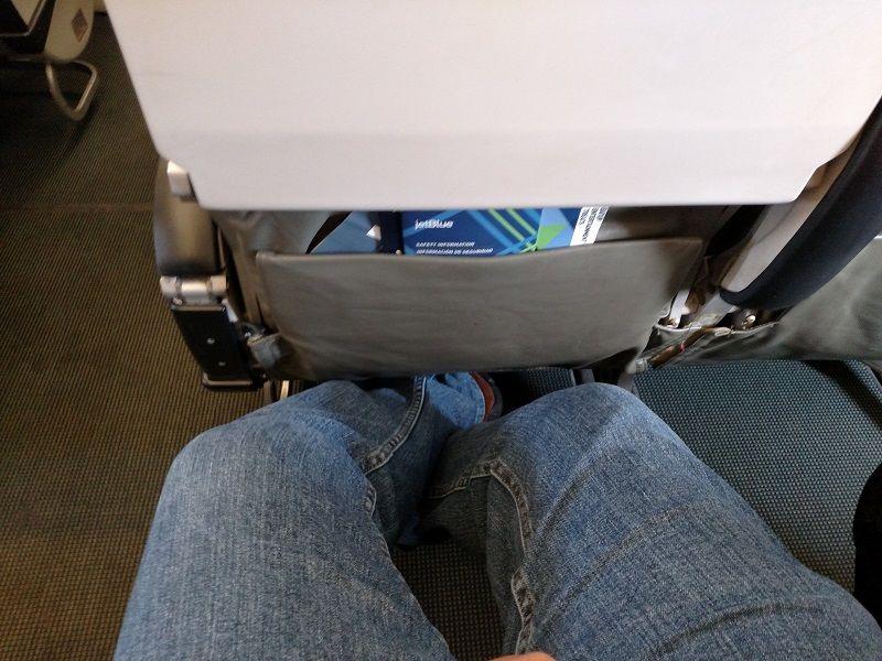 JetBlue Airways Airbus A320 200 Economy Cabin Standard Coach Seats Pitch Legroom Photos