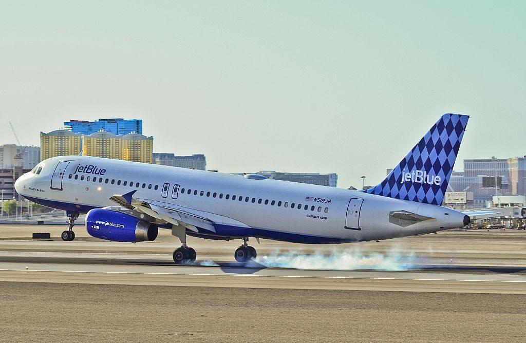 JetBlue Airways Airbus A320 232 N519JB cn 1398 It had to be blue hard landing at McCarran International Airport KLAS Las Vegas