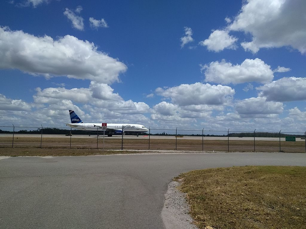 JetBlue Airways Airbus A320 232 N590JB Liberty Blue taxiing at Orlando International Airport