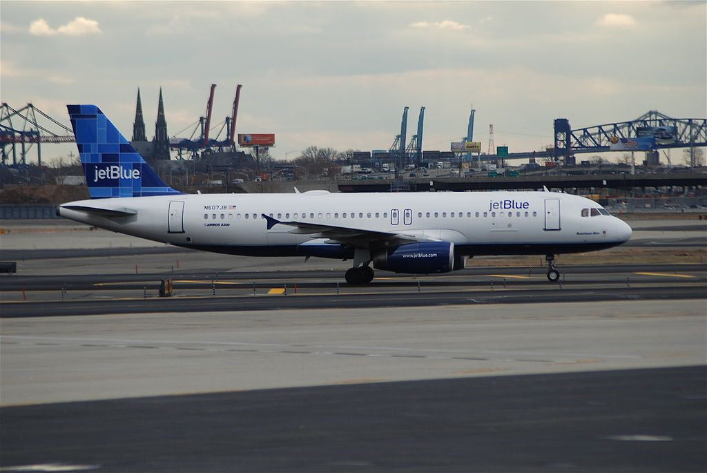 JetBlue Airways Airbus A320 232 N607JB cn 2386 Beantown Blue at Newark Liberty International Airport
