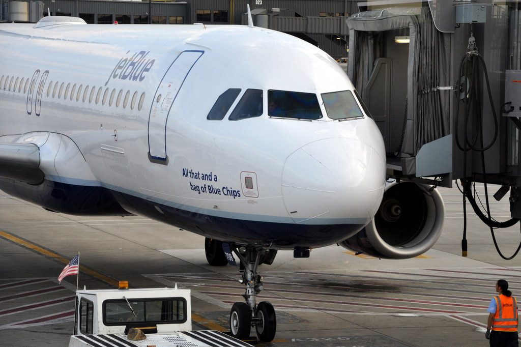 JetBlue Airways Airbus A320 232 N708JB All that and a bag of Blue Chips Aircraft Photos
