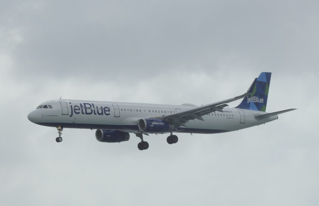 JetBlue Airways Airbus A321 231 N989JT Freshly Minted final approach Queen Beatrix International Airport IATA AUA ICAO TNCA Aruba