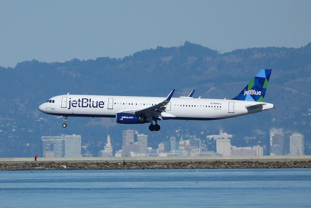JetBlue Airways Airbus A321 231WL N946JL This Magic MoMint at San Francisco International Airport