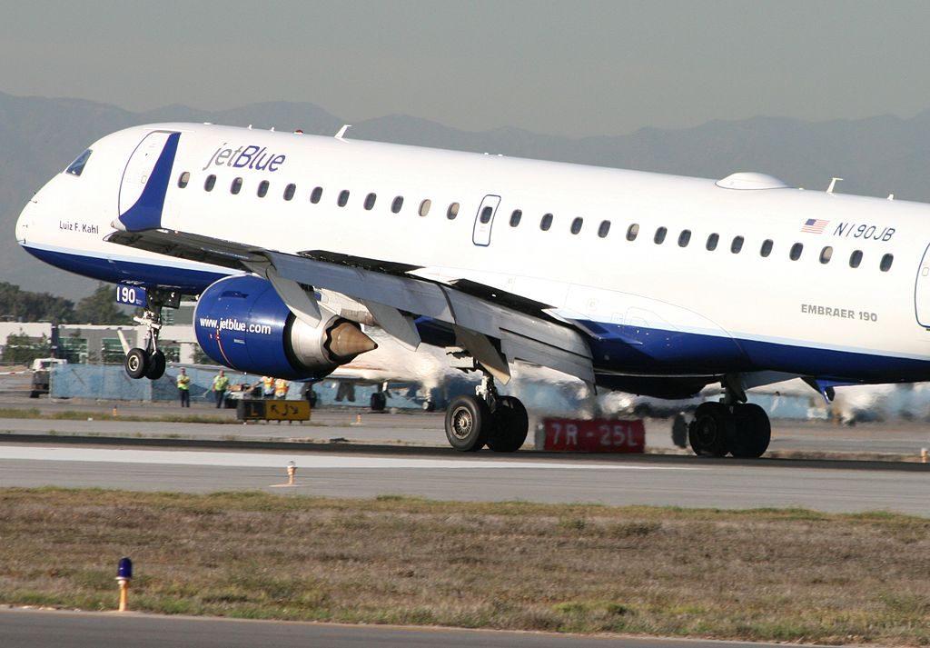 JetBlue Airways Embraer ERJ 190 N190JB Luiz F. Kahl emergency landing at Long Beach Airport