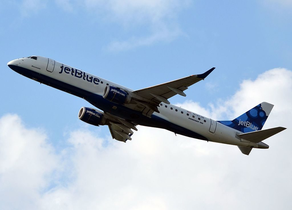JetBlue Airways Embraer ERJ 190AR N187JB Blue yah at Philadelphia International Airport