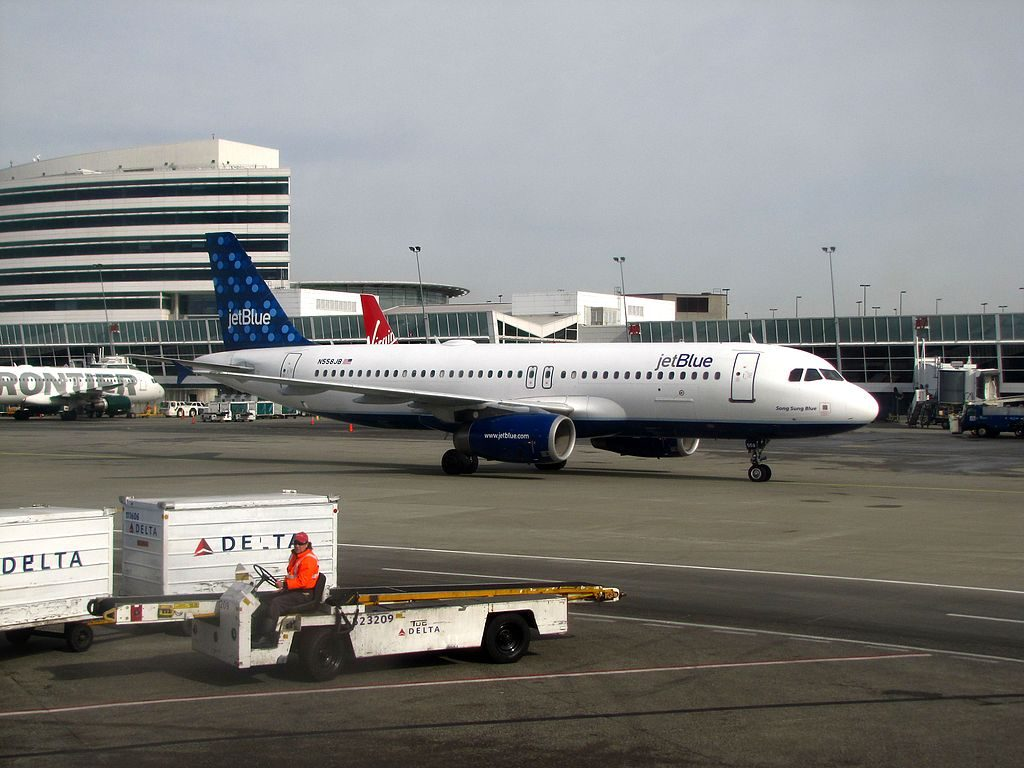 JetBlue Airways N558JB Song Sung Blue Airbus A320 200 at Seattle Tacoma International Airport