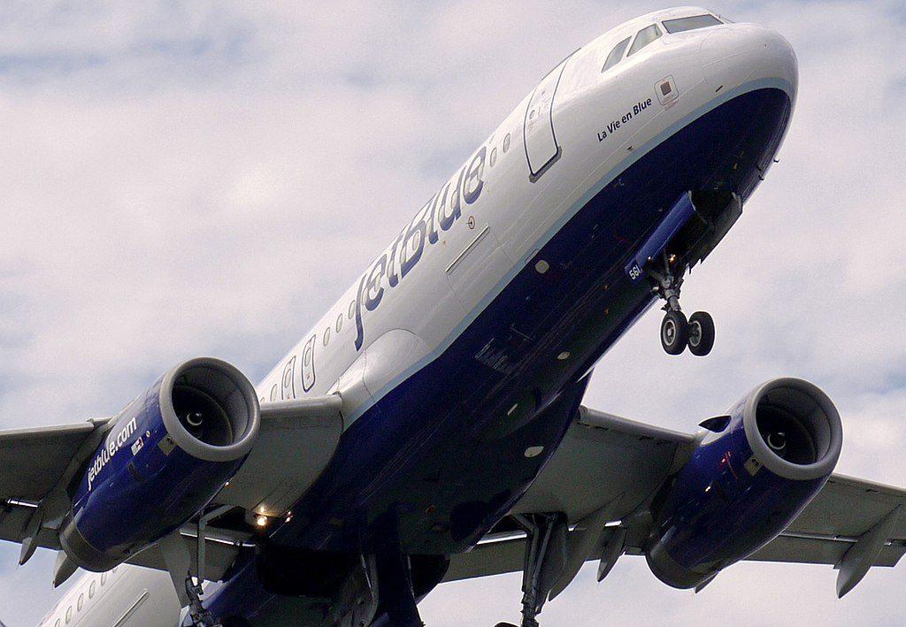 JetBlue Airways N561JB La Vie en Blue Airbus A320 200 at Juan Santamaria International Airport