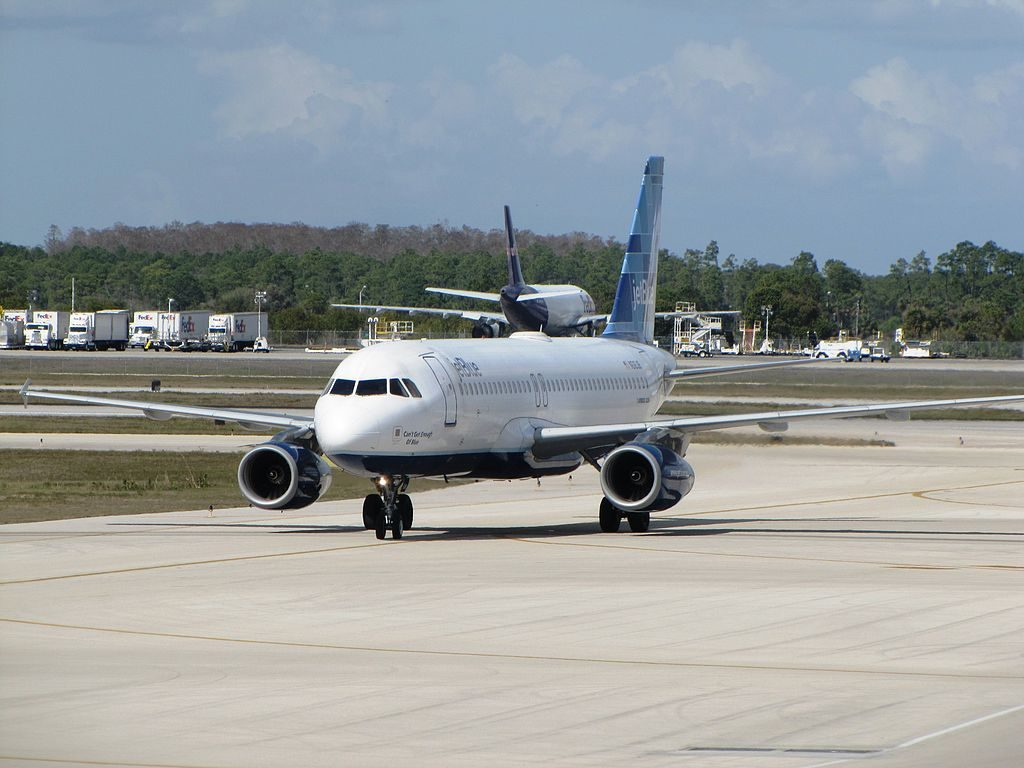 JetBlue Airways N618JB Can't Get Enough Of Blue Airbus A320 200 at Southwest Florida International Airport