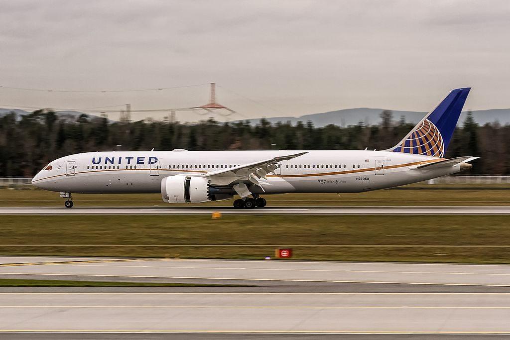 N27958 United Airlines new Boeing 787 9 Dreamliner delivered 18. September 2015 coming in from Houston KIAH @ Frankfurt International Airport EDDF