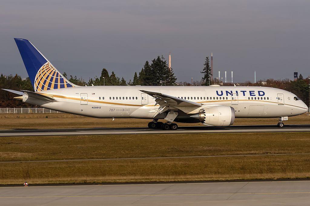 N28912 United Airlines Boeing 787 8 Dreamliner coming in from Houston IAH KIAH @ Frankfurt International FRA EDDF