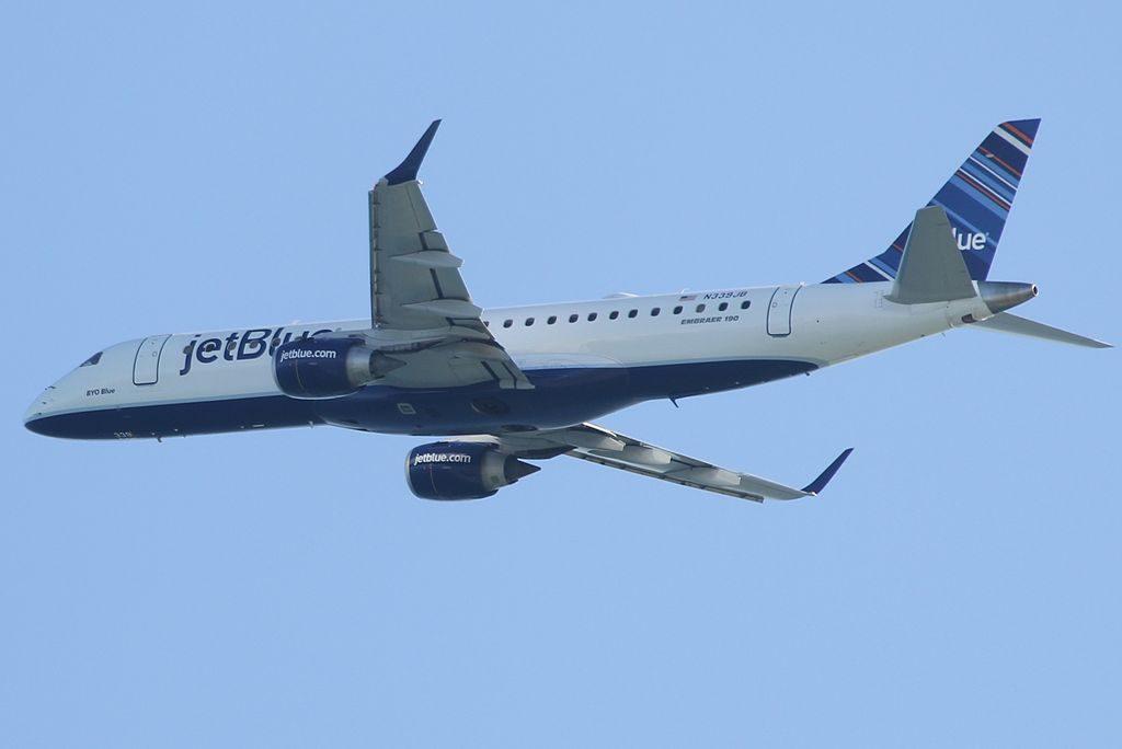 N339JB BYO Blue JetBlue Airways Regional Jet Embraer ERJ 190AR take off at Fort Lauderdale Hollywood International Airport FLL