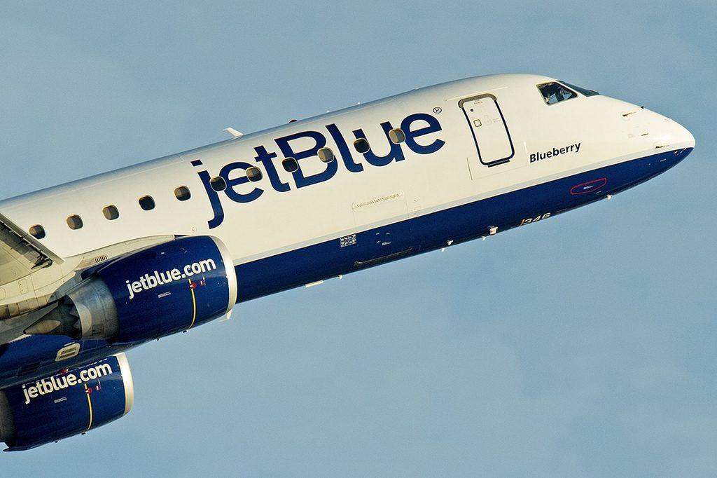 N346JB Blueberry Embraer ERJ 190 of JetBlue Airways Regional Jet Fleet