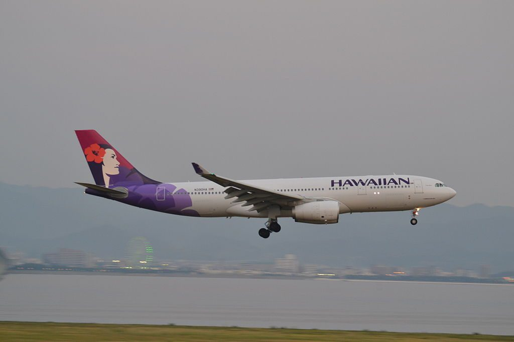 N390HA Hawaiian Airlines Fleet Airbus A330 200 Nāmāhoe on final approach at Osaka Kansai KIXJapan