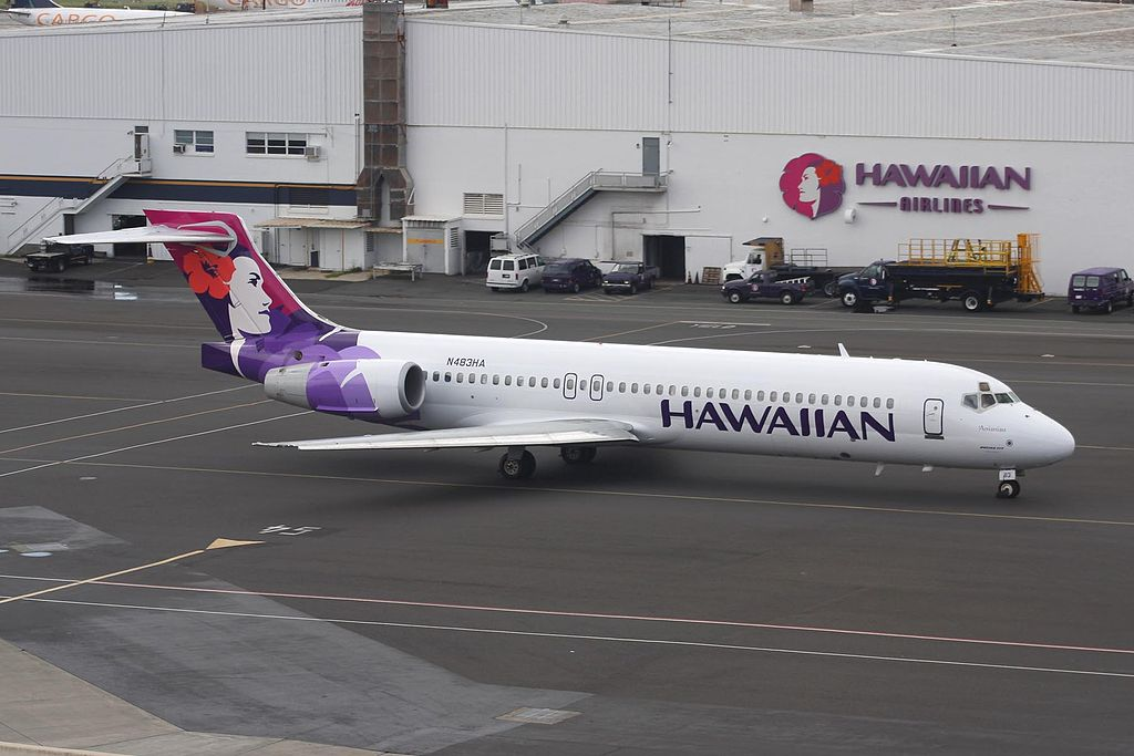 N483HA Anianiau B717 22A Hawaiian Airlines Narrow Body Aircraft at Honolulu International Airport