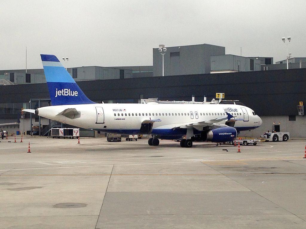 N517JB JetBlue Airways Airbus A320 232 cn 1327 Blue Moon at JFK Airport