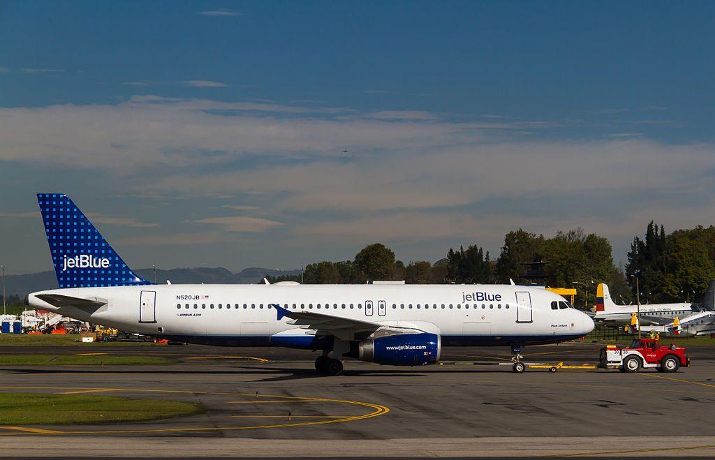 N520JB JetBlue Airways Airbus A320 232 cn 1446 Blue Velvet at El Dorado International Airport