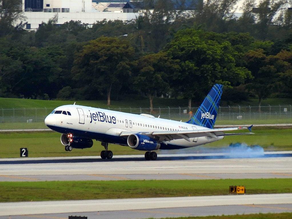 N521JB JetBlue Airways Airbus A320 232 cn 1452 Baby Blue landing at Fort Lauderdale Hollywood International Airport