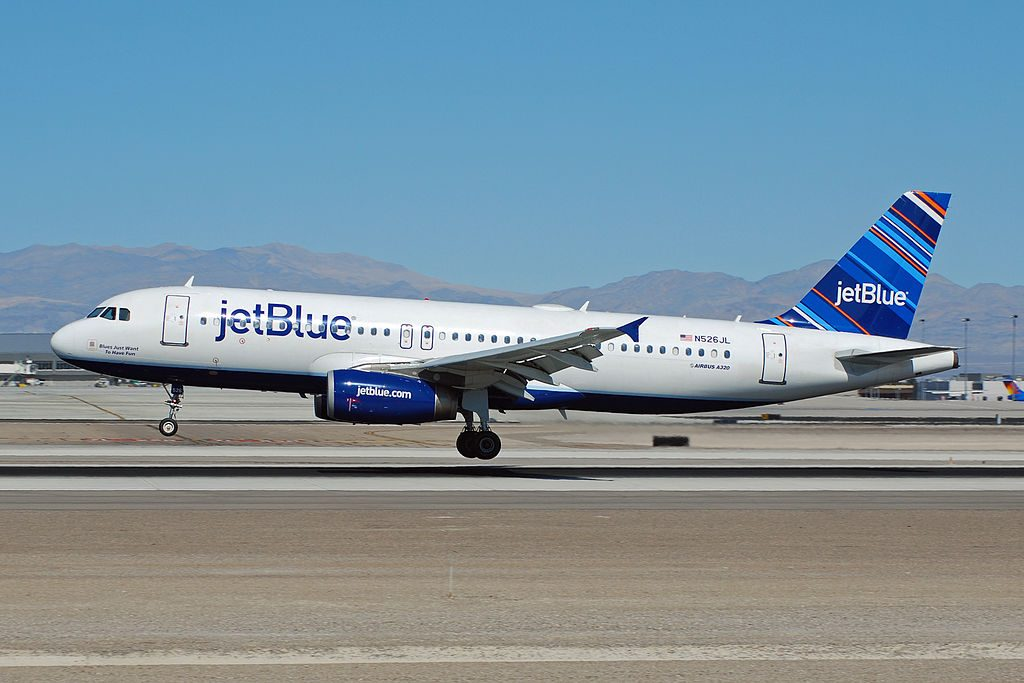 N526JL Airbus A320 200 JetBlue Airways Blues Just Want To Have Fun landing at McCarran International Airport