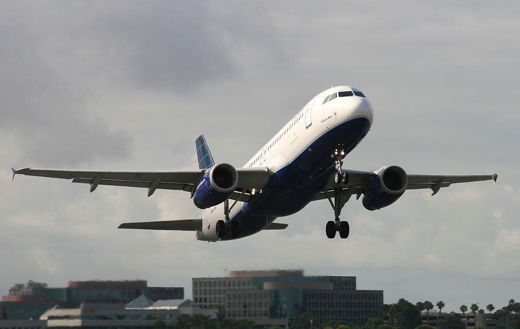 N547JB JetBlue Airways Airbus A320 232 Forever Blue Aircraft Takeoff Photos