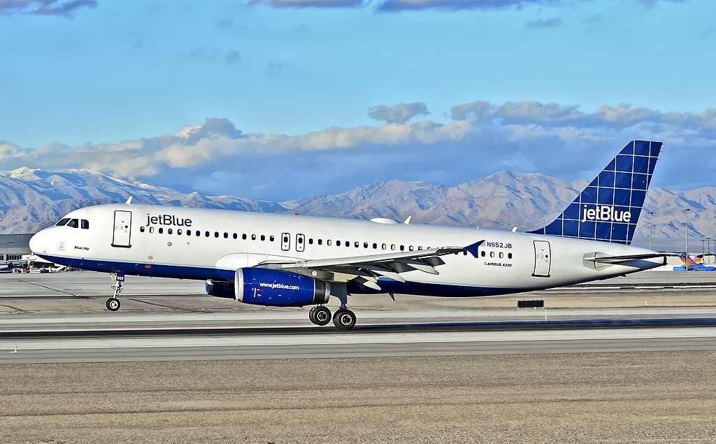 N552JB JetBlue Airways Airbus A320 232 cn 1861 Blue Jay landing at McCarran International LAS KLAS USA