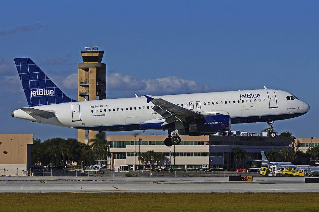 N554JB Airbus A320 200 JetBlue Airways Sacre Bleu landing at FLL Fort Lauderdale – Hollywood International Airport