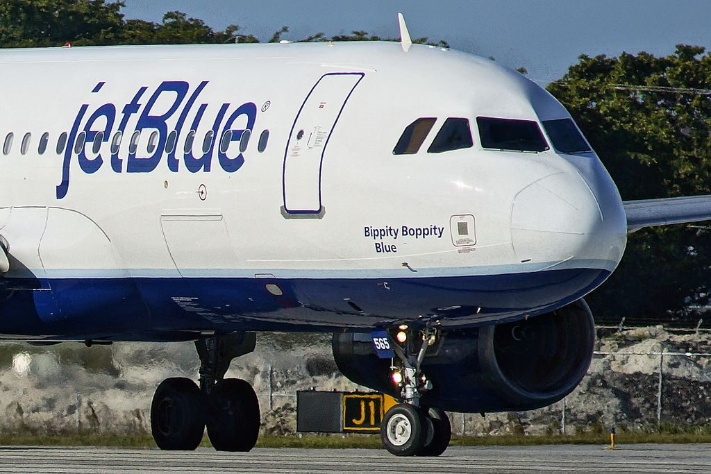 N565JB JetBlue Airways Airbus A320 232 Bippity Boppity Blue at Fort Lauderdale Hollywood International Airport FLL